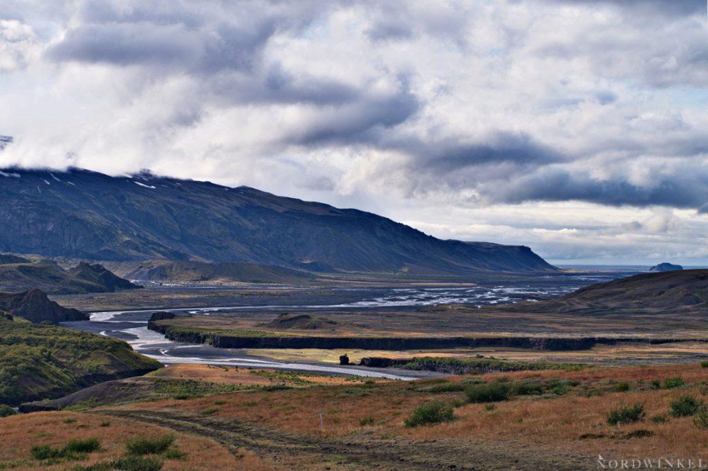 Blick auf dem Laugavegur über die Krossa-Mündung
