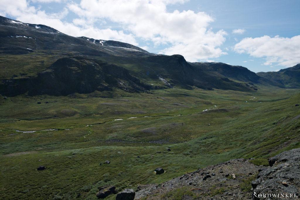 flusstal auf dem arctic circle trail